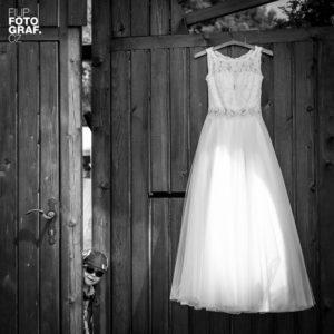 Svatební šaty, fotograf Filip Komorous